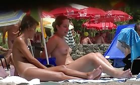 Voyeur hot naked beach babes